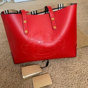 Brand new❗️Burberry Leather red tote ‼️